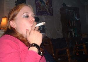 girl-smoke-pot-sofa